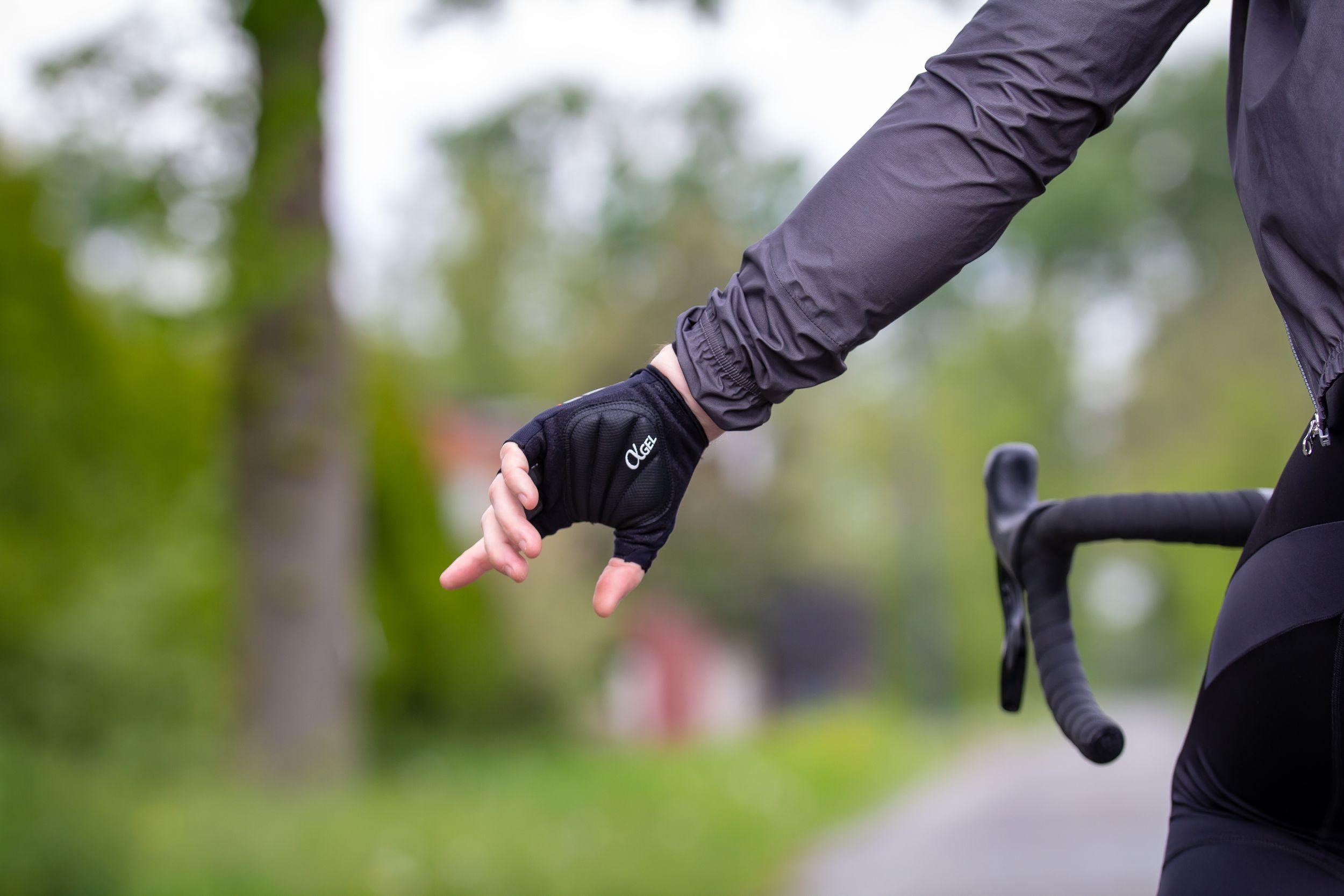 Fietshandschoenen tegen tintelende handen