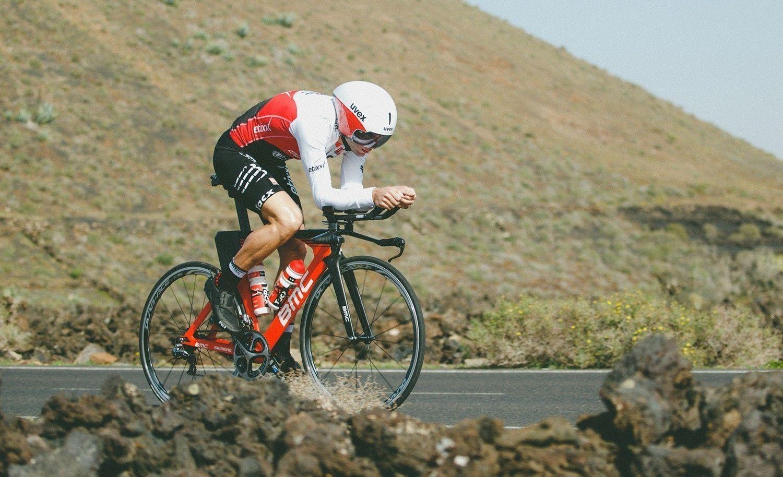 Uvex Fietshelmen Racefietser op BMC fiets